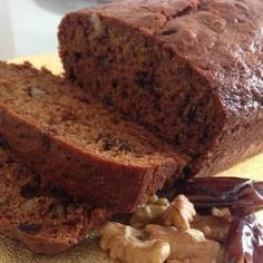 Date and walnut loaf cake