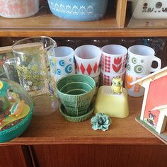 Collecting vintage glassware is just too much fun!  The colors and patterns are endless!  A little post Gymbo thrifting with my baby bird. | Flickr - Photo Sharing!
