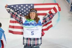 Shaun White wins gold at the Vancouver Winter Olympics Shaun White Snowboarding, Snowboarding Men, 2010 Winter Olympics, Summer Olympics, Vancouver Winter, White Halloween Costumes, Winter Olympic Games, Extreme Sports, Olympians
