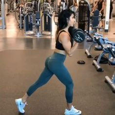 The Full-Body Workout For Extreme Fitness!If you find it simply too hard to stick to a workout plan, why not try a full-body workout program? Fitness Workouts, Hiit Workout At Home, Fitness Motivation, Sport Fitness, Butt Workout, Workout Videos, Yoga Fitness, At Home Workouts, Fitness Tips