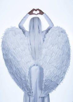 14 tapaa joilla enkelit kommunikoivat kanssamme ⋆ Unelmia kohti Angel Pictures, Free Pictures, Free Images, All Archangels, Gong Bath, Angel Illustration, Winged Girl, Lillehammer, White Angel