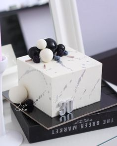 Birthday Cake For Him, Cake Table Birthday, 26th Birthday, Beautiful Cakes, Amazing Cakes, Happy Birthday Wishes Cards, 21st Cake, Square Cakes, Cakes For Men