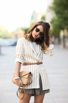 Collage Vintage / Belted Blazer //  #Fashion, #FashionBlog, #FashionBlogger, #Ootd, #OutfitOfTheDay, #Style