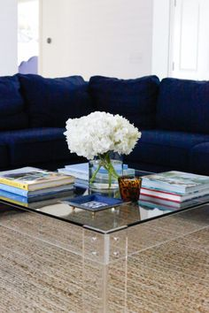 DALLAS HOME TOUR: LIVING ROOM, DINING NOOK, AND KITCHEN