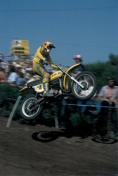 1975 - Carlsbad, Calif. - Gerrit Wolsink getting the front wheel high on his factory Suzuki while winning another 500 USGP. | Flickr - by Tony Blazier