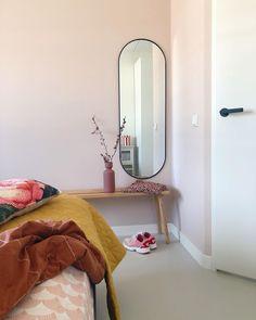 """Milou on Instagram: """"Eindelijk een mooie spiegel gevonden voor in de slaapkamer. Dankjewel dames van @prchtg voor wederom fijne inspiratie! En deze was ook nog…"""" Entryway Decor, Wall Decor, Nordic Interior, Eclectic Decor, Cheap Home Decor, Miraculous, Fixer Upper, Decorative Accessories, Home Remodeling"""