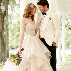 Two-piece wedding gowns are a huge trend in 2016 weddings, and we absolutely love the Martina Liana mix and match separates collection!