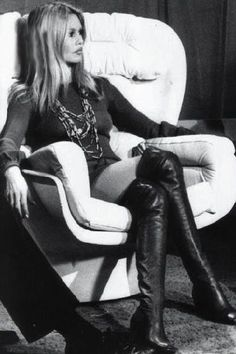 Bridget Bardot in her over the knee black boots which are still being worn many many years on Bridgitte Bardot, Bardot Brigitte, Bridget Bardot Hair, Star Francaise, Jane Birkin, Catherine Deneuve, French Actress, Jane Fonda, How To Pose