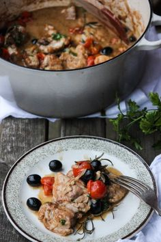 A hearty, simple & flavoursome, rustic Italian meal. My Chicken Cacciatore is super simple & packed with flavour. Serve with some crispy potatoes & a chunky slice of fresh Italian bread to mop up all the juices.