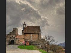 L'entree du Chateau de Tallard - Hautes Alpes