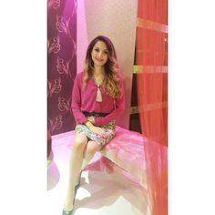 #pink #hennanight #smile #pose #outlook #outlookoftheday #fashionlover #instafashion #makeup #instamakeup #necklace #ombre #henna #night #friday #istanbul # #kınagecesi #kına #gülümse #ataşehir by 91busra