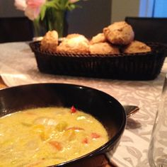 heilsúpa UNA Fondue, Thai Red Curry, Cheese, Healthy, Ethnic Recipes, Iceland, Soups, Places, Ice Land