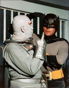 Adam West chats with Otto Preminger/'Mr. Freeze' in costume on the set of 'Batman TV Series' Batman 1966, Im Batman, Batman Robin, Batman Cast, Real Batman, Batman Show, Batman Tv Series, Batgirl, Catwoman
