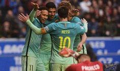 """فريق """"برشلونة"""" يفوز على مضيفه """"ألافيس"""" بسداسية…: اكتسح فريق برشلونةمضيفه ديبورتيفو ألافيس بستة أهداف دون رد، مساء السبت، على ملعب…"""