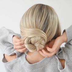 Coiffure Easy Bun 💛 - Braids for my hair - Easy Bun Hairstyle 💛 Pour ce. Easy Hairstyles For Long Hair, Scarf Hairstyles, Simple Hairstyle Video, Two Buns Hairstyle, Running Late Hairstyles, Easy And Beautiful Hairstyles, Cool Easy Hairstyles, Wedding Bun Hairstyles, Braided Bun Hairstyles