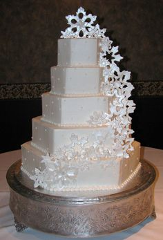 Winter wonderland inspired wedding cake Wedding Cakes | Receptions Inc. Cakes by Mindy @receptionsinc