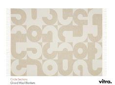 Circle sections, Girard Wool Blankets collection, by Vitra. Coperta in lana 100% merino, tessitura jaquard. Tutta la collezione su DCstore