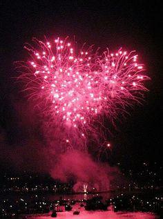 Fogos de artifício rosa.