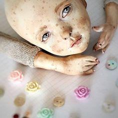 Куклы должны быть без повода. Счастье должно быть настоящим. Дом — тёплым…