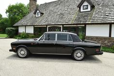 Rolls-Royce : Silver Shadow - II : 4 door sedan