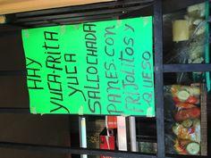Yuca frita y salcochada, panes con frijolitos y queso - comida popular de El Salvador | suchitoto.tours@gmail.com