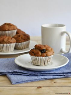 Walnut, dried blueberry and chia muffins (vegan, lactose free, egg free, sugar free)