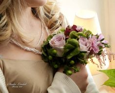 Little flower bouquet for brides maid. Design by Elina Mäntylä, Valona Florana (Valona design) www.valona.fi Pearl Earrings, Crown, Pearls, Jewelry, Design, Fashion, Moda, Pearl Studs, Corona