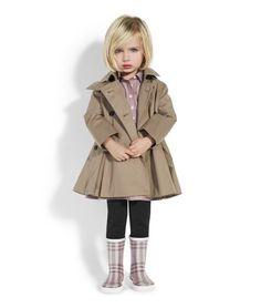Burberry Little girl kids fashion kids-style