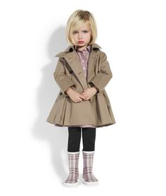 Burberry Little girl kids fashion kids-style