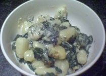 Gnocchi se špenátem a plísňovým sýrem