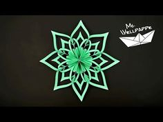 How to make mini paper stars and snowflakes - christmas craft - diy Cute Crafts, Diy And Crafts, Paper Crafts, Paper Snowflakes, Paper Stars, Snow Flakes Diy, Paper Ornaments, Diy Weihnachten, Christmas Inspiration