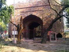http://ilovedelhi.blogspot.in/2011/10/kabuli-or-khuni-darwaza-delhi.html