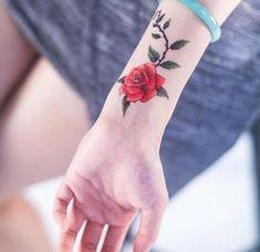 Hergestellt von Stella Luo Tätowierern in Toronto, Kanada - rose tattoos Lila Tattoos, Pink Rose Tattoos, Feather Tattoos, Trendy Tattoos, Unique Tattoos, Cute Tattoos, Body Art Tattoos, New Tattoos, Small Tattoos