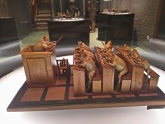 Musé des grenouilles Muse, Playing Card Games, Taxidermy