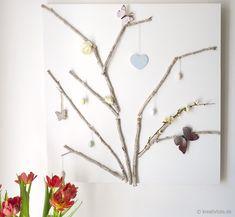 Dekorierbare Äste auf Leinwand als DIY zu Ostern / Easter DIY