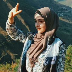Beautiful Hijab Girl, Beautiful Muslim Women, Beautiful Girl Image, Modest Fashion Hijab, Fashion Muslimah, Hijab Chic, Abaya Fashion, Muslim Fashion, Hijab Style Tutorial
