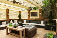 An astounding patio roof, commonly known as pergola provides shelter from sun, wind, and rain. A well-built pergola deck plan amazingly extends the home's living space, increases the beauty of outdoor patio and also make you able to experience a wond Pergola Swing, Deck With Pergola, Wooden Pergola, Backyard Pergola, Pergola Kits, Covered Pergola, Patio Roof, Pergola Ideas, Wisteria Pergola