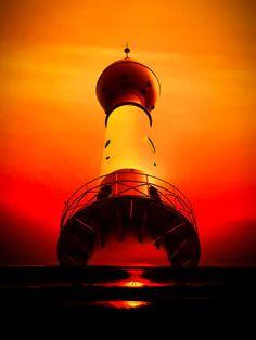 'Leuchtturm - Romantik 2' von Walter Zettl bei artflakes.com als Poster oder Kunstdruck $20.91