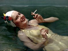 Camel Cigarettes, Girl in Pool, Color print, assembly (Carbro) process 27 x cm. Collection of George Eastman House © Nickolas Muray Photo Archives Color Photography, Vintage Photography, Fashion Photography, Vintage Ads, Vintage Photos, Vintage Floral, Vintage Style, Nickolas Muray, Frida Kahlo