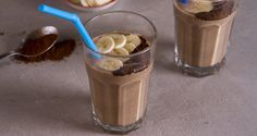 Banana coffee smoothie by Greek chef Akis Petretziki. Make this quick, easy and absolutely delicious smoothie with bananas, coffee, oats, soy milk and dates. Coffee Smoothie Recipes, Protein Smoothie Recipes, Yummy Smoothies, Coffee Recipes, Almond Recipes, Raw Food Recipes, Smoothie Popsicles, Smoothie Bar, Banana Coffee