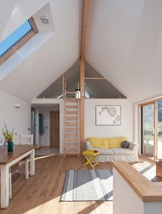 An intermediate mezzanine floor level is a stylish way to add space and interest to an open-plan interior. Emily Smith gives her mezzanine design tips Mezzanine Loft, Mezzanine Bedroom, Loft Room, Bedroom Loft, Attic Bedrooms, Floor Design, House Design, Self Build Houses, Building A House