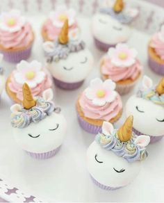 Unicorn Cupcakes, Mini Cupcakes, My Goals, Birthday Parties, Desserts, Food, Party, Meals, Art