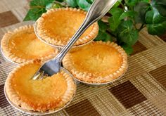 Eggnog pie recipe is a traditional Thanksgiving and New Years Day recipe. This is a traditional 19th century eggnog recipe for all to enjoy. Soften gelatin in cold water fro 5