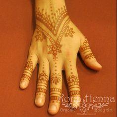 Organic Henna Products.  Professional Henna Studio. KonaHenna.com #kona #konahenna #konahennastudio #bigisland #bodyart #hawaii #henna #hennatattoo #hennabodyart #mehndi #mendhi #hennaart #temporarytattoo #tattoo #naturalhenna #organichenna #hennadesigns