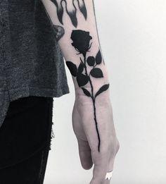 тату роза блекфорк