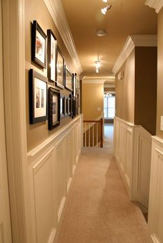 Great lighting in this narrow hallway.