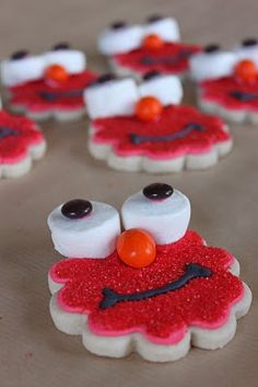 Elmo decorated cookies