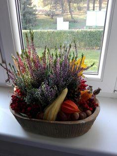 podzimni vyzdoba Autumn Decorations, Fall Decor, Hygge, Projects To Try, Bar, Halloween, Fall Planters, Fall Decorating, Spooky Halloween