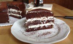Chocolate cake with cream cheese icing / Čokoládový dort s tvarohovým krémem Food Test, Sweet Desserts, Tiramisu, Sweet Tooth, Sweet Treats, Cheesecake, Food And Drink, Cooking Recipes, Sweets