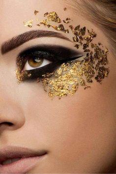 Eye make-up for Halloween./ Un maquillage des yeux pour l'Halloween. Makeup Inspo, Makeup Art, Makeup Inspiration, Beauty Makeup, Makeup Ideas, Lace Makeup, Show Makeup, Metallic Makeup, Runway Makeup